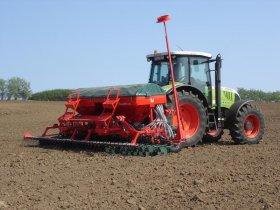 CFPPA D'ONDES - Illustration de semis avec tracteur Xcv